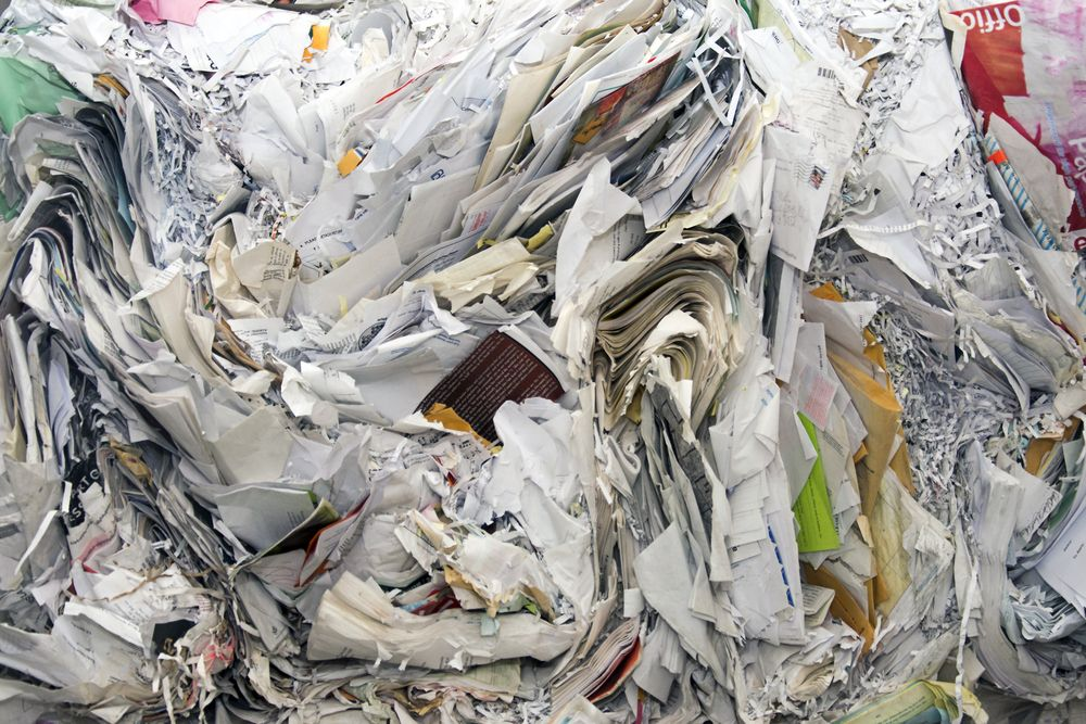is paper better than plastic