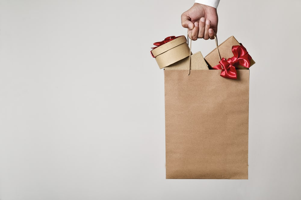 Should You Change Your Bag Design For The Holidays?