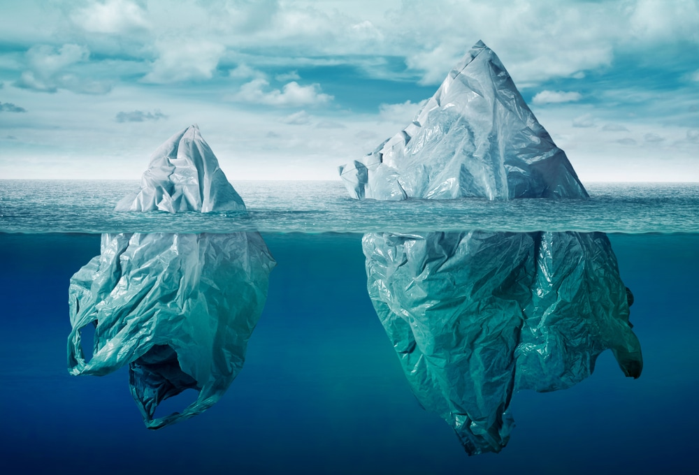 plastic-bags-as-icebergs